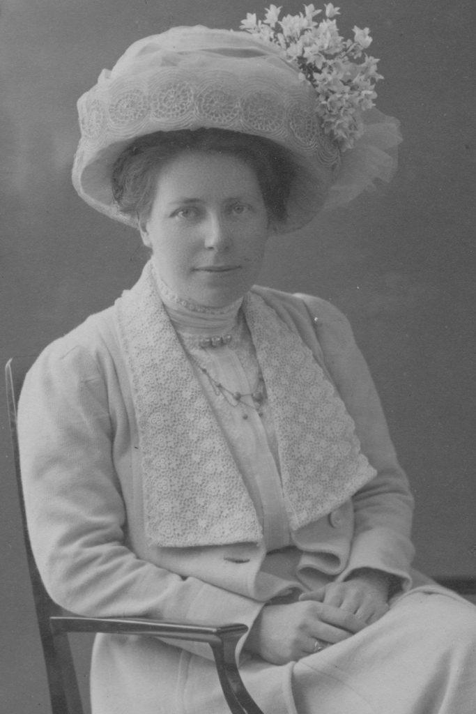 Fröken Elin Sundberg.